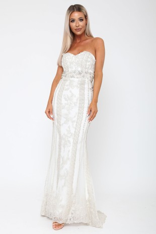Cassie Embellished Sweetheart Lace Gown in Ivory